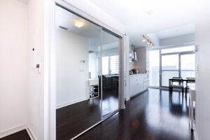 Luxurious Condo on York Street - Available Daily