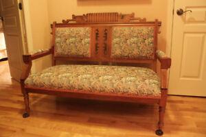 Ensemble de meubles anciens pour le salon - style victorien
