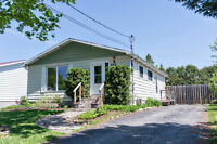 Charming & Affordable: 3 bed 1.5 bath bungalow in Carleton Place