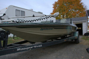17' 1985 Ranger bass boat for sale