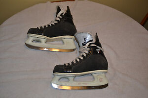 CCM Tacks 152 Skates, Size 5 London Ontario image 1