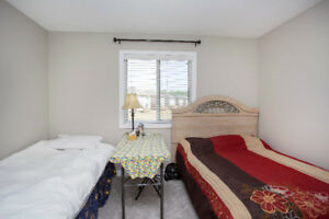 Sharing Room for Students in Niagara Falls