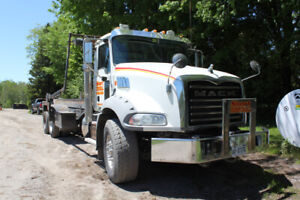 Mack | Find Heavy Pickup & Tow Trucks Near Me in Ontario from