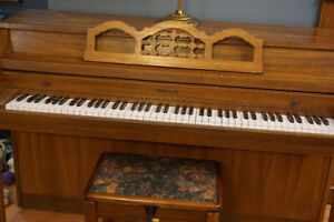 Whitney (kimball) Piano apartment size model 3075