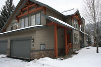 SKI WEEKEND MARCH 17-20? 4 BR PANORAMA HOME AVAILABLE