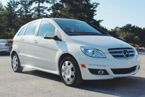 2010 Mercedes-Benz B-Class w/ Panoramic Sunroof