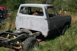 1984 dodge shortbox  for parts
