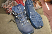 women's size 6 cross country skiboots