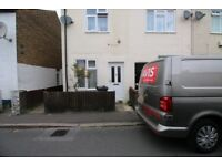 3 bedroom house in Albion Road, HOUNSLOW, TW3