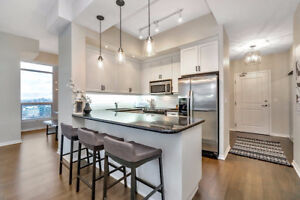 Huge Downtown Waterfront Condo 1518 SF 2+1 3 Bath 2 Pkg Low Fees