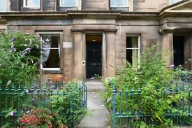 3 bedroom flat in Hillside Crescent, Hillside, Edinburgh, EH7 5EB
