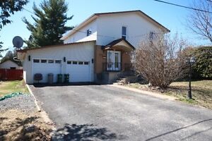LARGE BLOSSOM PARK HOME  - TLC  MUST SELL -POWER OF SALE