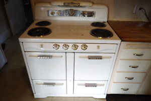 Antique Electric Moffat 4 Burner Oven & Warmer Stove -Functional