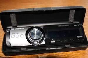 Pioneer DEH-P80MP  CD receiver with MP3 / WMA playback