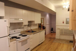 Large, Downtown 4 bedroom- Exchange Students Welcome!