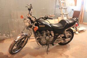 1982 YAMAHA MAXIM 550
