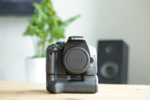 Canon T2i / 550D + 18-55mm + accessories