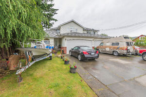 Invest or Nest!  Large 1/2 Duplex with Suite!  Chilliwack $479,9
