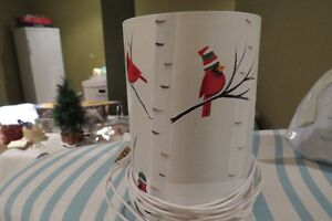 RED CARDINALS ON WHITE BIRCH MINI LIGHT LAMP