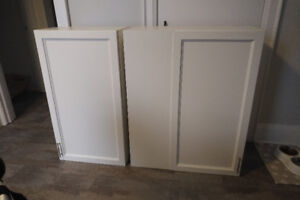 UPPER CUPBOARDS / CABINETS