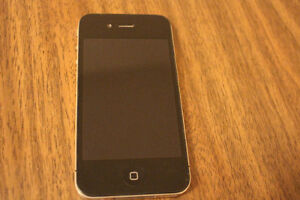 Black - 16 GB - Iphone 4 - Factory Unlocked !