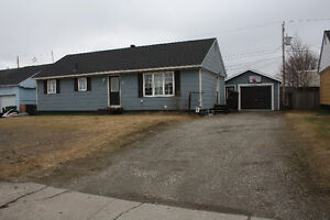 3 Bedroom, 1 1/2 Bath Bungalow with Garage... 10 Poplar Avenue!