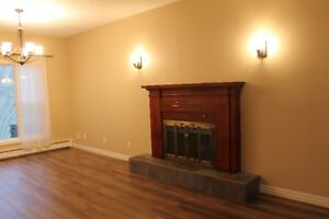 LARGE  BEAUTIFUL 3 BEDROOM  /  76 PITT ST UPTOWN