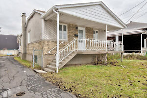 Beautiful Renovated House for Rent in Longueuil on a Big Lot!