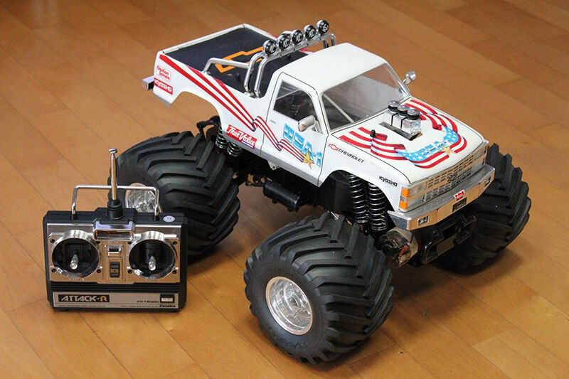 gas powered remote control truck with G on R age Xt Red in addition Big Red additionally 41p Angeleyes Blue likewise Watch further Watch.
