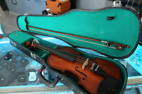 ***GREAT DEAL*** Beautiful Stained-Wood Violin with Bow and Case