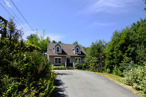 Quaint Well Finished R-2000 Home in Mahone Bay