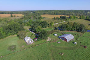 2110 Reeves Rd, Tay - 2 STOREY + BARN ON 96 ACRES + POND