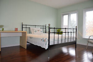 环境优雅的奥克维尔区留学生寄宿家庭 Homestay available in Oakville Oakville / Halton Region Toronto (GTA) image 4