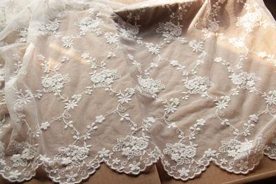 Bestickt Elfenbein Hochzeits Kleid Blumen Spitze Bräutlich Kostüm DIY Stoff 0.5