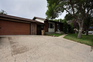 Large Bungalow in Normanview West