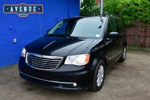 2013 Chrysler Town & Country AF7360 Minivan, Van