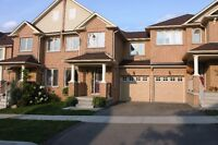 Townhouse - for rent, Richmond Hill