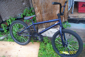 """AS IS 20""""BIKE,TRAILER HITCH BIKE HOLDER,TRICYCLES,12""""BIKES"""