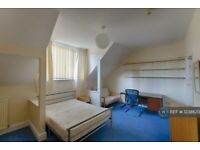 7 bedroom house in Argyle Avenue, Manchester, M14 (7 bed) (#1238620)