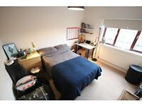 Room for Rent in Bethnal Green ( 1 station to LIVERPOOL STREET )
