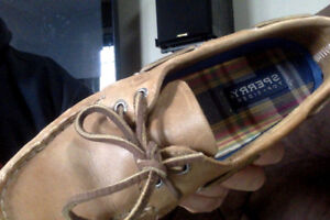 women size 7 sperry shoes