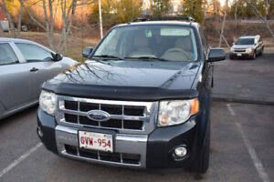 Ford Escape 2008, 230xxxKM, fully loaded+almost new winter tires