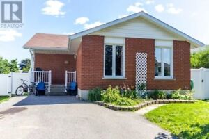 Spacious North End 2 Bedroom Basement Apartment 5min from Trent
