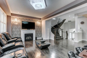Beautiful Home in Ajax for Sale!