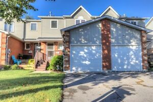 3 Bedroom Townhouse Bowmanville Just Listed!