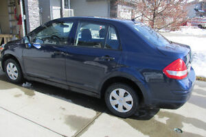 2009 Nissan Versa Sedan- ONLY 122000km