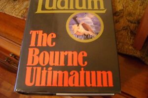 FIVE HARDCOVER BOOKS BY ROBERT LUDLUM Windsor Region Ontario image 4
