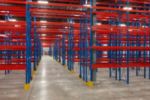 PALLET RACKING IN STOCK | RAYONNAGE À PALETTES EN STOCK