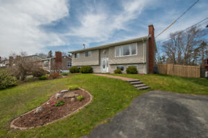Charming Sophisticated Home In Timberlea