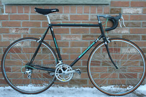 Perfect Bianchi Brava Classic Road Bicycle. Barely Ridden!